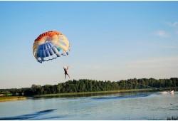 Parasailing - skrydis parašiutu virš ežero Anykščiuose