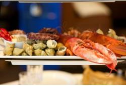 """Prabangi vakarienė """"La Cave"""" restorane """"Amberton"""" viešbutyje"""