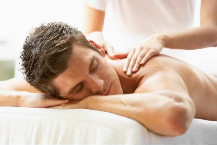 """Klasikinis nugaros masažas vyrams salone """"Grožio perlai"""" Kaune"""