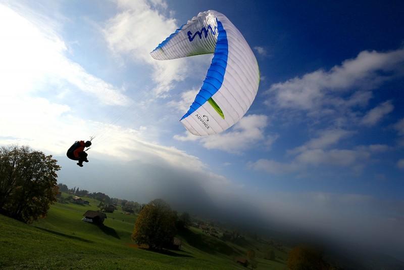 Aukštuminis skrydis parasparniu Vilniaus apylinkėse