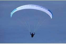 Aukštuminis skrydis parasparniu Ukmergės apylinkėse