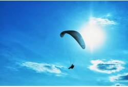Aukštuminis skrydis parasparniu Valkininkuose