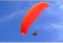 """Pilotavimo skrydis parasparniu """"Valdyk sparną pats"""" Trakuose"""