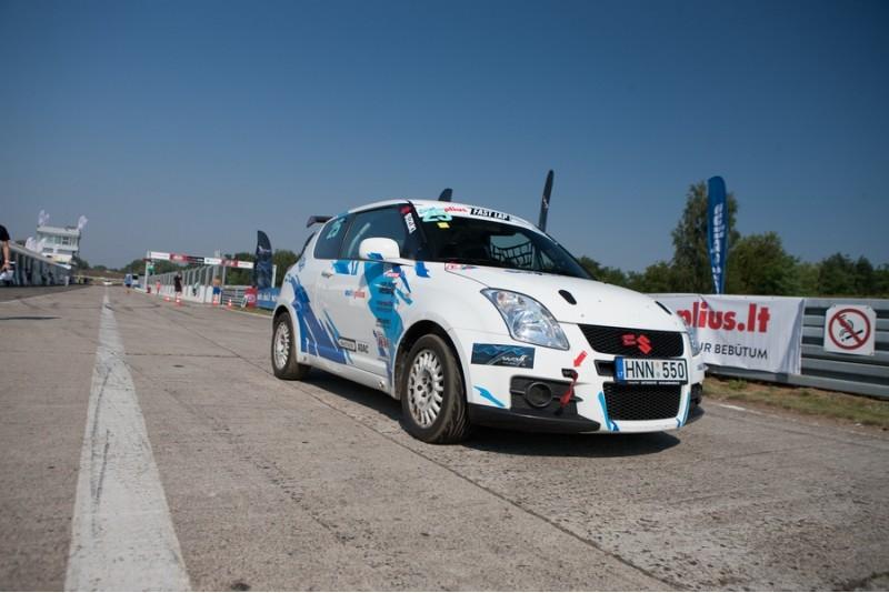 Pasivažinėjimas su Suzuki Swift Sport Ring Taxi Nemuno žiede Kaune