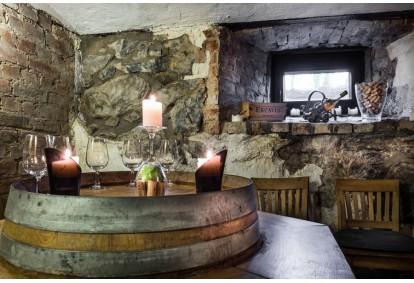 """Romantiška vakarienė """"Grafo Zubovo"""" dvaro restorane"""
