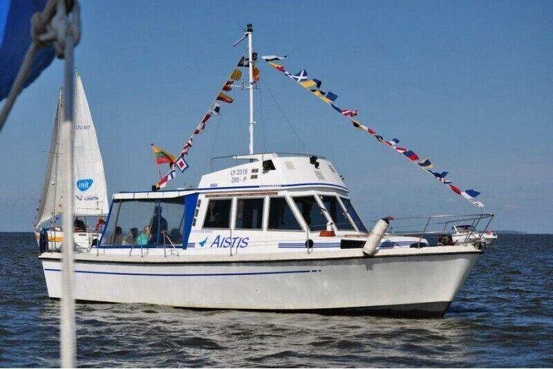 """Pasiplaukiojimas Kuršių mariose laivu """"Aistis"""""""