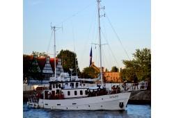 """Izbrauciens ar kuģīti """"Palsa"""" pa Rīgas jūras līci"""