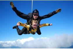 Tandem šuolis parašiutu su instruktoriumi Vilniuje