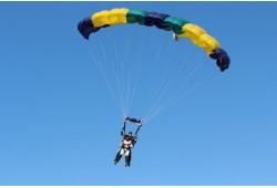 Tandem šuolis parašiutu su instruktoriumi iš 4000 metrų Kaune