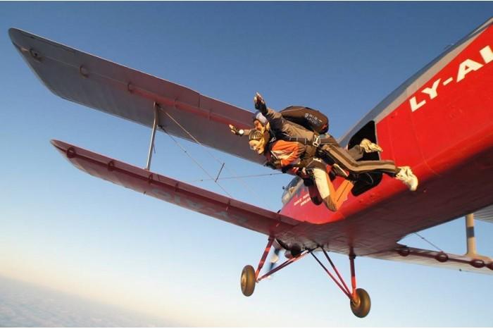 Tandem šuolis parašiutu su filmavimu Šiauliuose