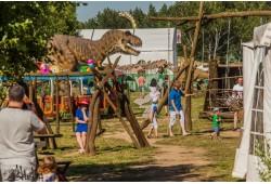 """Pramogų diena """"Dino nuotykių parke"""" ir gardūs kibinai 3 asmenų šeimai"""