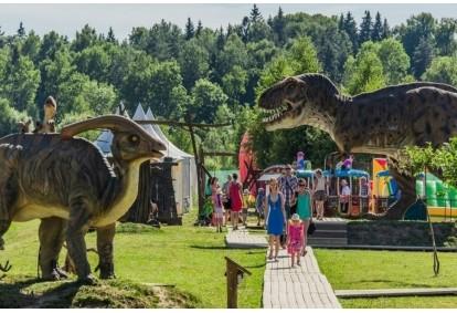 """Ekskursija laivu, pramogos """"Dino"""" parke ir kibinai 3 asm. šeimai"""