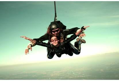 Tandem šuolis parašiutu su instruktoriumi iš 3000m Daugpilyje