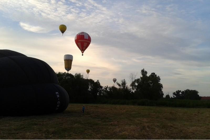Romantika alsuojantis skrydis oro balionu dviem Kaune arba Birštone