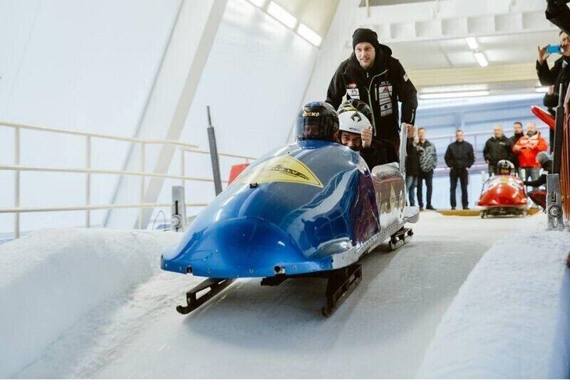Ekstremalus nusileidimas bobslėjumi Siguldos trasoje