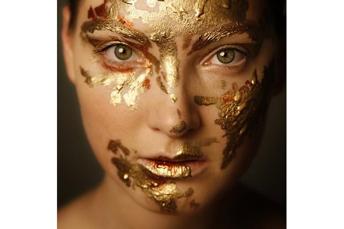 Auksinė veido ir paakių procedūra su 24 karatų auksu Vilniuje