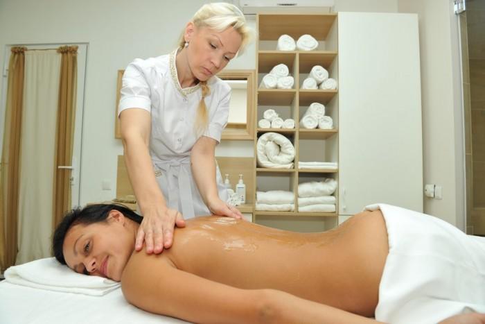 Muilinis masažas ant hamamo Klaipėdoje