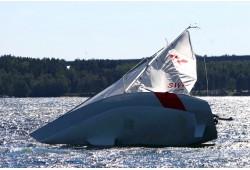 Ekstremalus buriavimas su galinga lenktynine jachta Trakuose