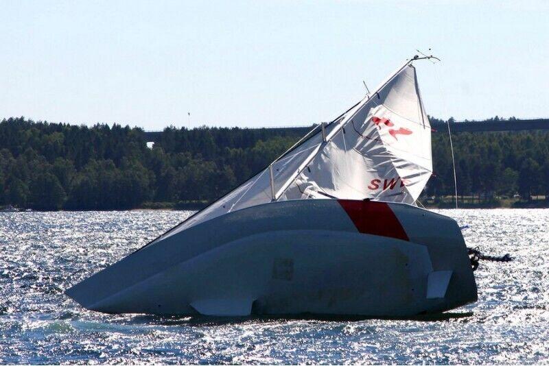 Ekstremalus buriavimas su galinga lenktynine jachta Trakuose 1-6 asmenims