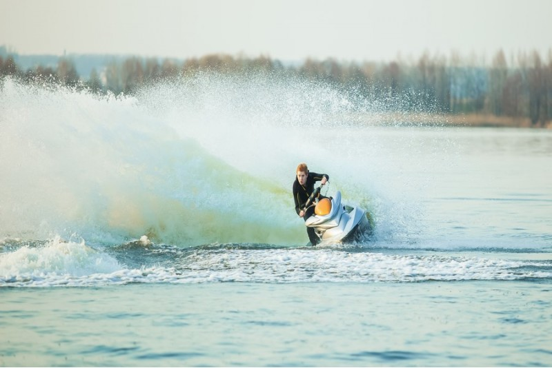 Pasiplaukiojimas triviečiu vandens motociklu (30 min.)