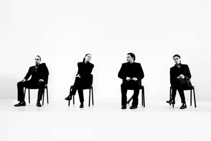 """Apsilankymas """"Cezario grupės"""" spektaklyje Vilniuje (2 asmenims)"""