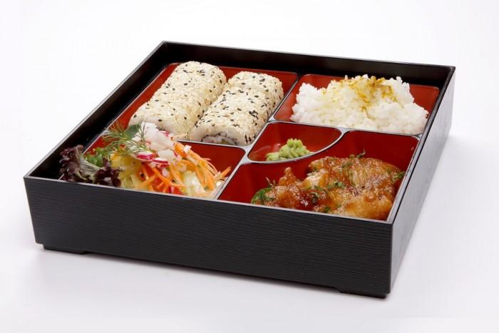 """Romantiška vakarienė japoniško maisto restorane """"Yakata"""""""