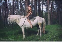 Pasijodinėjimas poniu ir piešimas kreidelėmis vaikui Vilniuje