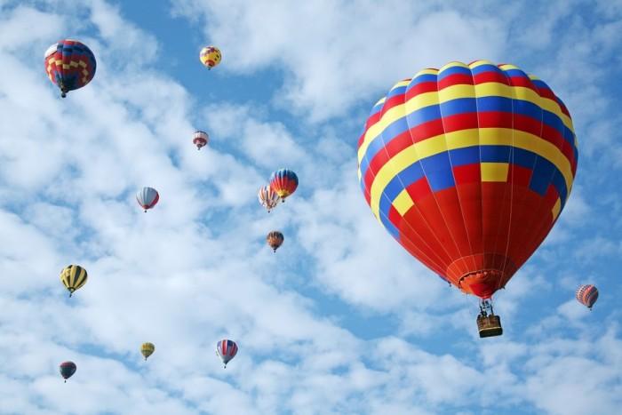 VIP skrydis oro balionu  4 draugų kompanijai Vilniuje
