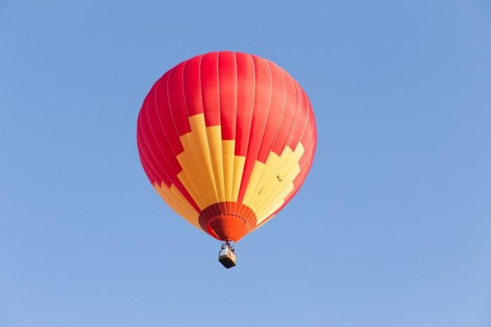Romantika alsuojantis skrydis oro balionu Vilniuje