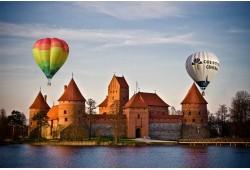 """Skrydis oro balionu virš Trakų su """"Oreivystės centro"""" oreiviais"""