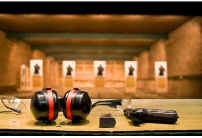 """Šaudymas 4 koviniais ginklais """"Hobio centre"""" Klaipėdoje"""