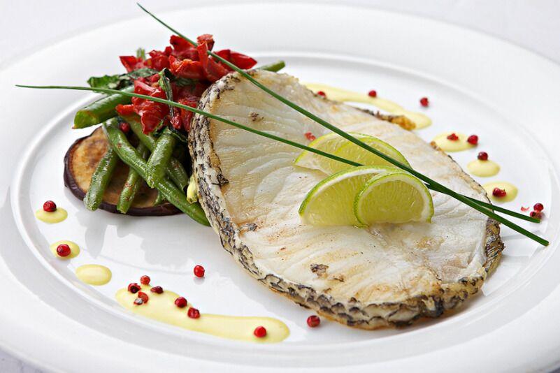 """Gurmaniška vakarienė išskirtiniame žuvies restorane """"Žuvinė"""""""