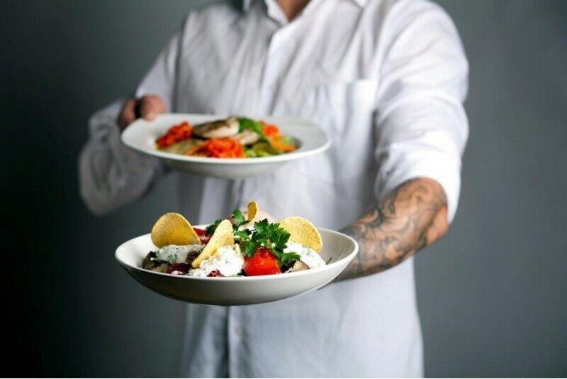 "Vakarienė salotų bare ""Mano Guru"" Vilniuje"