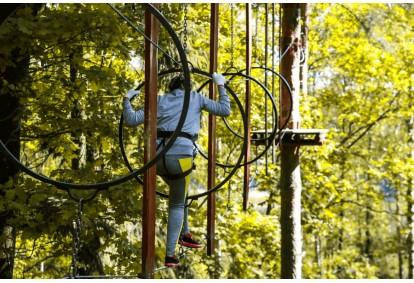 """Pramogos nuotykių parke """"Tarzanija"""" - BE RIBŲ!"""