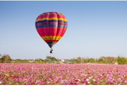 "Nepamirštamas skrydis oro balionu virš Trakų su ""Hot Air Lines"""