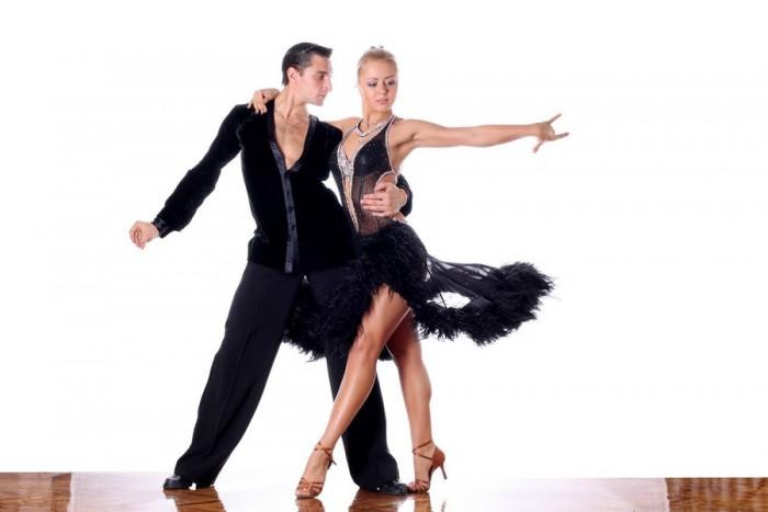"""Šokių pamokos studijoje """"Aistra šokiui"""" (8 pamokos)"""