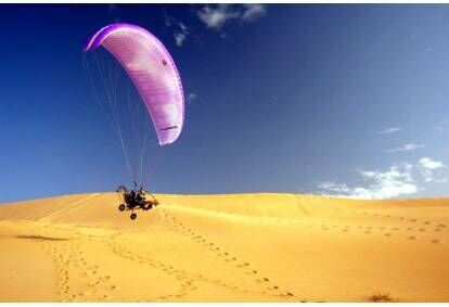 Ekstremalus skrydis dviviečiu motorizuotu parasparniu Vilniuje