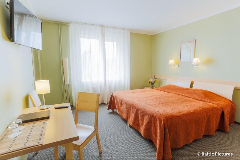"""SPA poilsis dviem viešbutyje """"HOTEL EZERI"""" Latvijoje"""