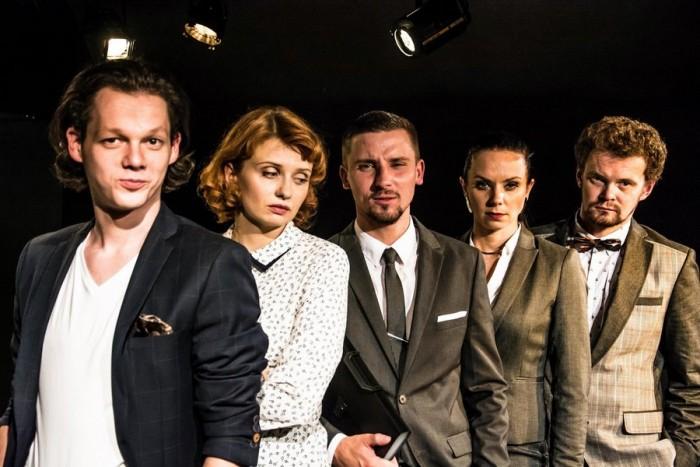 """Apsilankymas """"Kauno mažojo teatro"""" spektaklyje (2 asmenims)"""