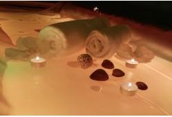Nesvarumo - šviesos - muzikos terapija su kūno kauke