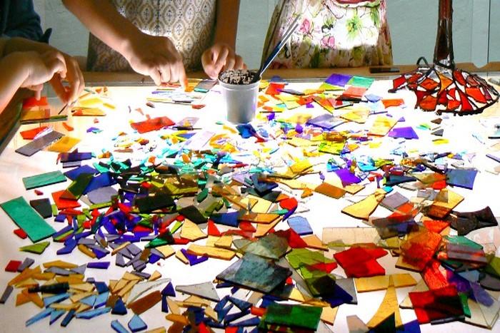 Gimtadienio kūrybinės stiklo dirbtuvės Vilniuje 2-10 asmenų