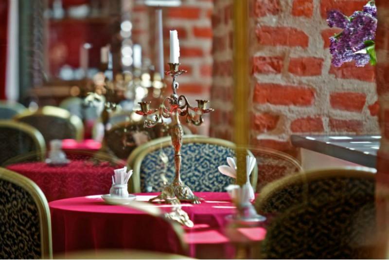 """Aristokratiška vakarienė """"Best Baltic Panemunės pilis"""" restorane"""