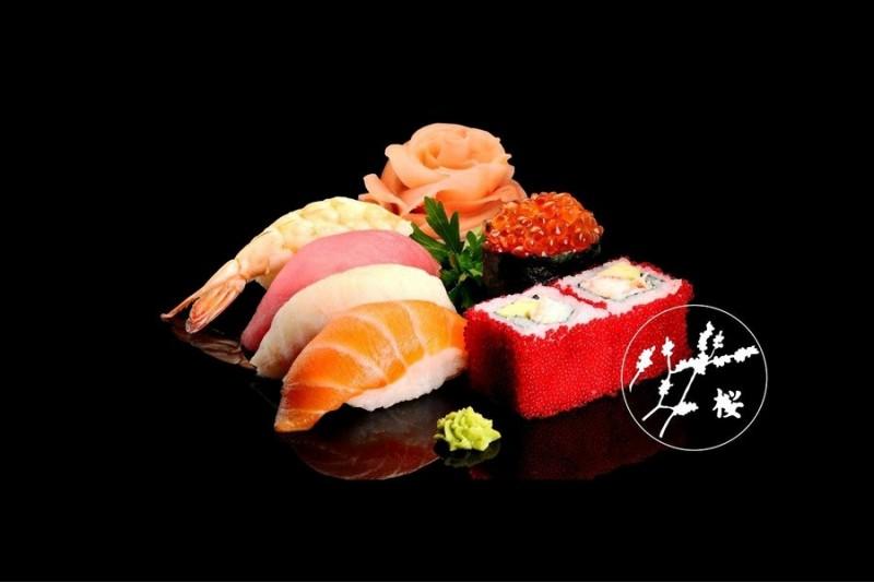 """Išskirtinė japoniška arba korėjietiška vakarienė restorane """"Sakura"""""""