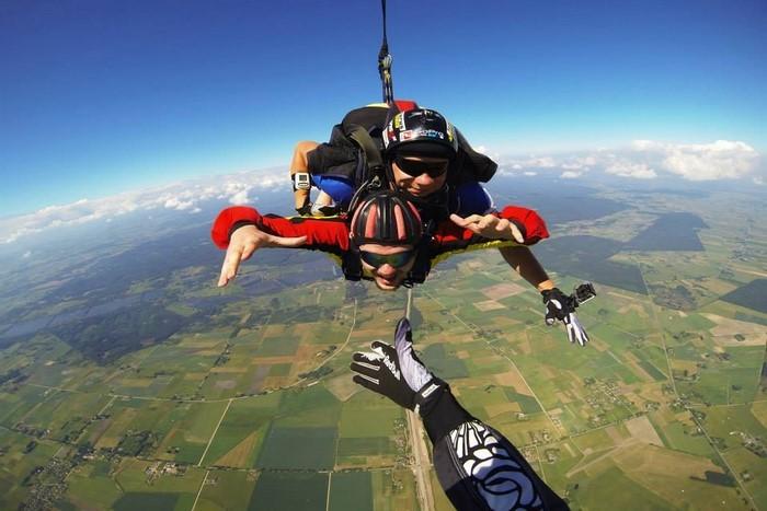 Tandem šuolis parašiutu su filmavimu Marijampolėje