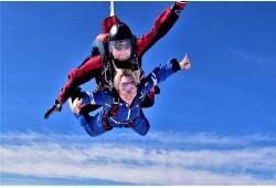 Tandem šuolis parašiutu su instruktoriumi Šiauliuose