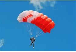 Šuolis sparno tipo parašiutu Raudondvario aerodrome