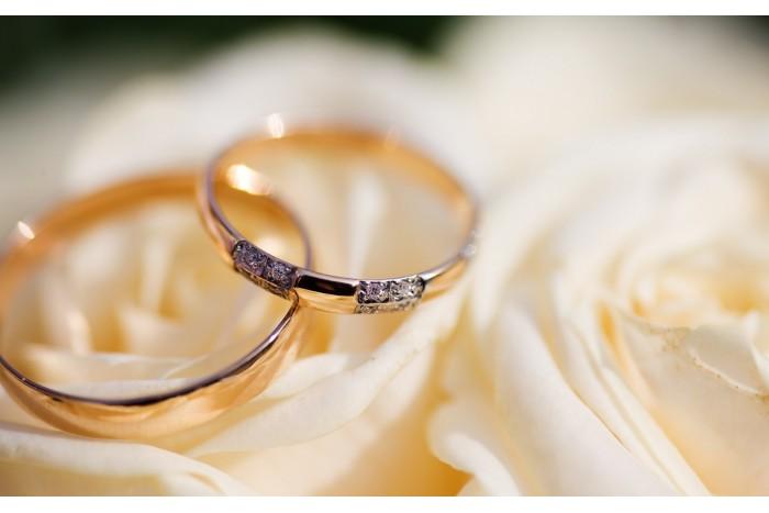 Meilės įamžinimas žiedų gamybos ceremonijoje