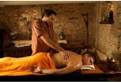 nemokamas vyrų varpos masažas)
