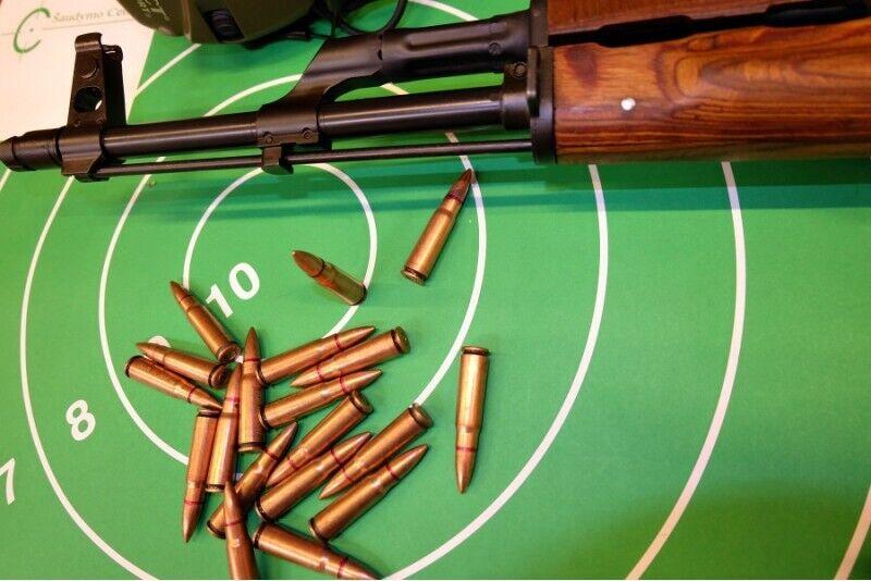 Ekstremalus šaudymas įvairiais koviniais ginklais (28 šūviai)