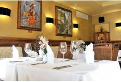 Romantiška vakarienė restorane ant jūros kranto Palangoje